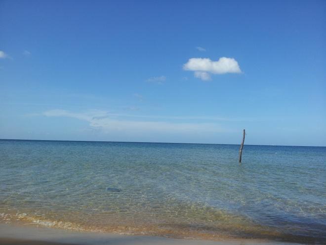 Ky niem hao hung khi o thien duong Phu Quoc hinh anh 2 Một Bãi Trường trong xanh, cát vàng mịn óng ả với sóng nhẹ nhấp nhô.