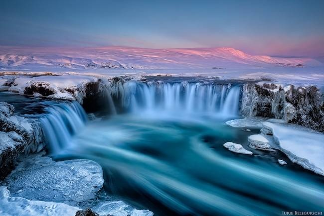 Nhung dia danh dep toi muc kho tin hinh anh 6 Thác Goðafoss: Với vẻ đẹp kỳ ảo, ngọn thác ở Ai len này được biết đến với cái tên thác nước của Chúa.