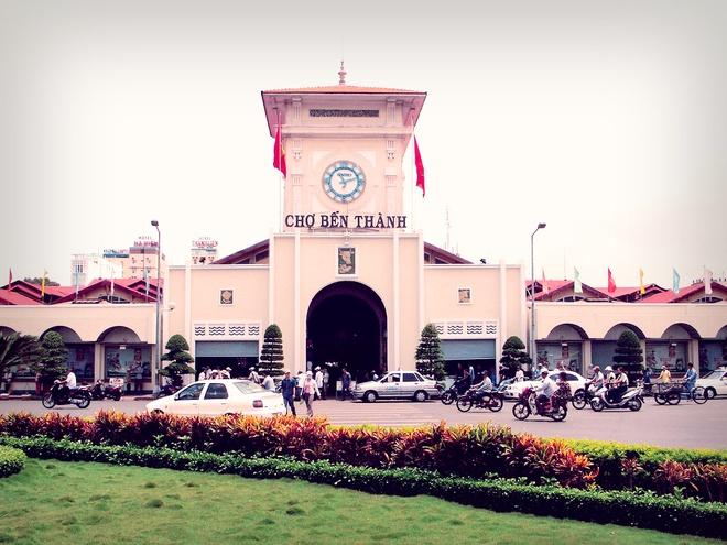 Chợ Bến Thành là điểm du lịch không thể bỏ qua khi đến TP.HCM. Chợ Bến Thành vừa kỉ niệm 100 tuổi
