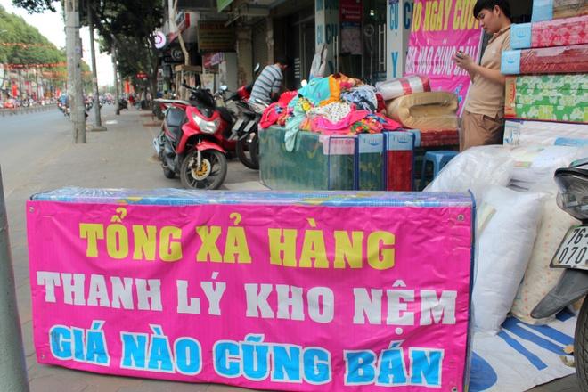 Sieu thi, cua hang Sai Gon o at xa hang Tet hinh anh