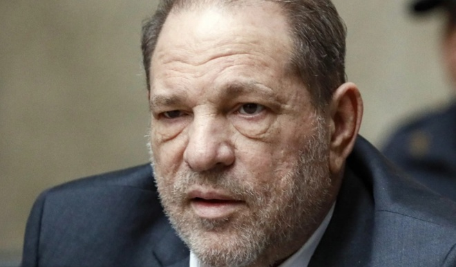 Harvey Weinstein bi tuoc CBE anh 1