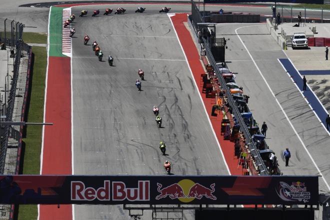 Chang 3 Moto GP: Honda that bai tham hai, Suzuki ve nhat sau hon 3 nam hinh anh 7