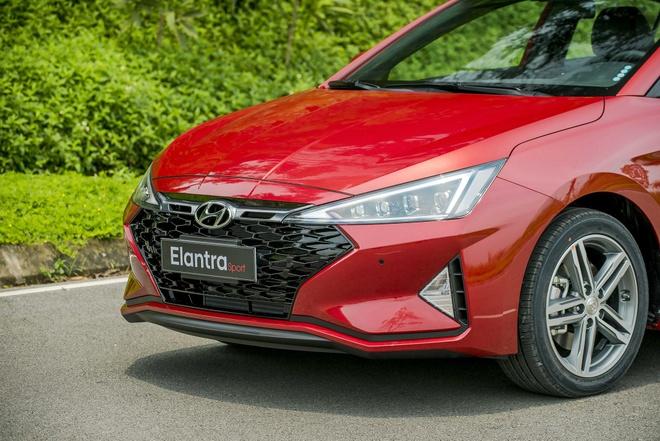 Hyundai Elantra 2019 tang gia, doi thiet ke, co luon ban the thao hinh anh 8