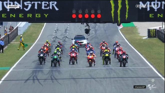 Moto GP chang 7 - Jorge Lorenzo gay tai nan lien hoan, Marquez vo dich hinh anh 1