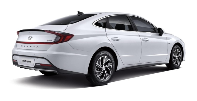 Hyundai Sonata Hybrid 2020 trang bi tam pin mat troi tren noc xe hinh anh 3