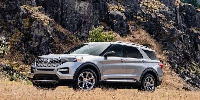 Ford Explorer 2020 loi phan mem va lap thieu bo phan hinh anh 1