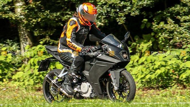 KTM RC390 thế hệ mới được phát hiện tại Áo, quê nhà của KTM.
