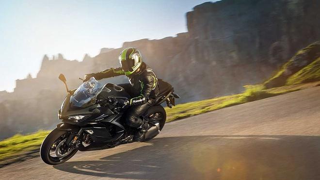 Kawasaki Ninja 1000 2020 se hoi sinh voi dong co sach hon gap 5 lan hinh anh 1