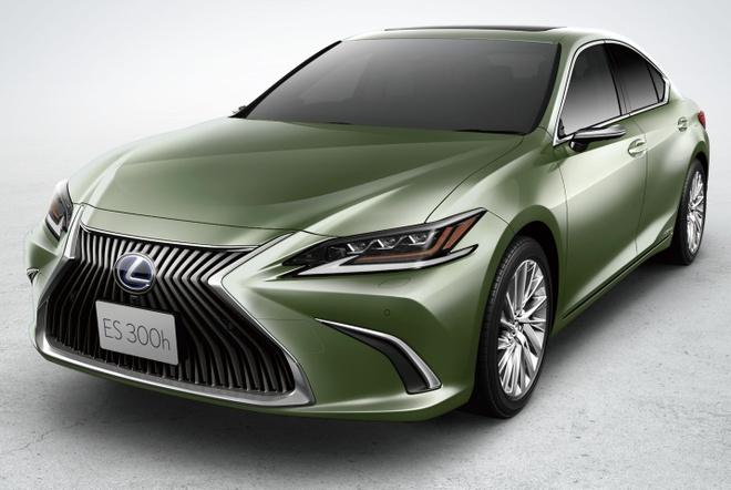Ra mat Lexus ES 2020 - guong chieu hau dien tu,  bo sung cong nghe anh 6