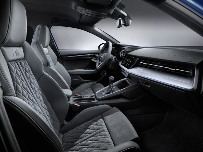 Lo dien Audi A3 phien ban truc co so keo dai,  trang bi dong co 1.5L anh 4