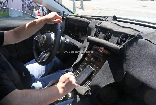 Lo anh noi that Mercedes-Benz C-Class the he moi,  nang cap man hinh anh 1