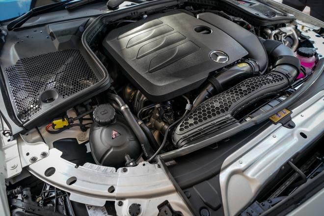 Mercedes-Benz C200 Coupe AMG 2020 ra mat Malaysia anh 2