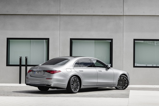 Banh sau cua Mercedes-Benz S-Class 2021 co the danh lai nhu banh truoc anh 1