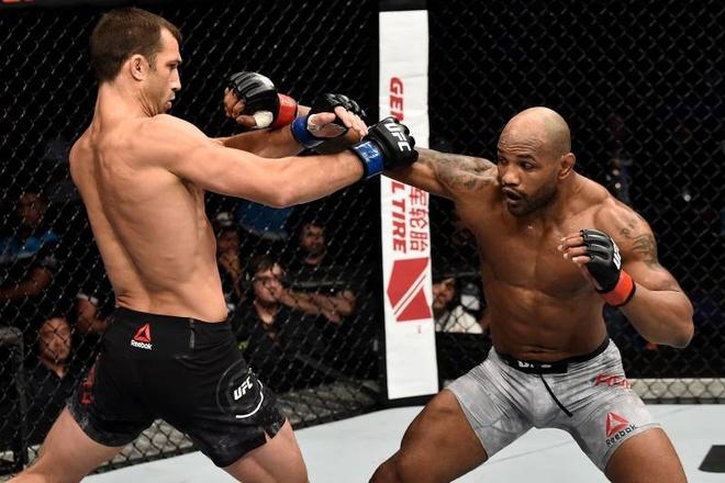 5 vo si UFC mat dai vi lo can hinh anh 4 2b_Bleacher_Report.jpg