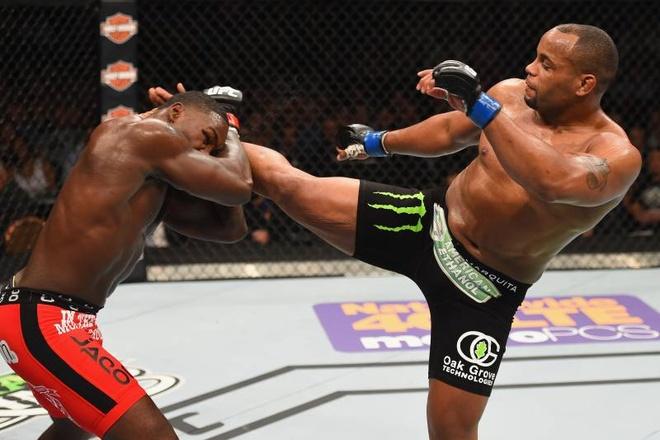 5 vo si UFC mat dai vi lo can hinh anh 8 4b_Bleacher_Report.jpg