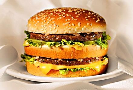 Gia ban McDonald's o Viet Nam cao hon Singapore? hinh anh