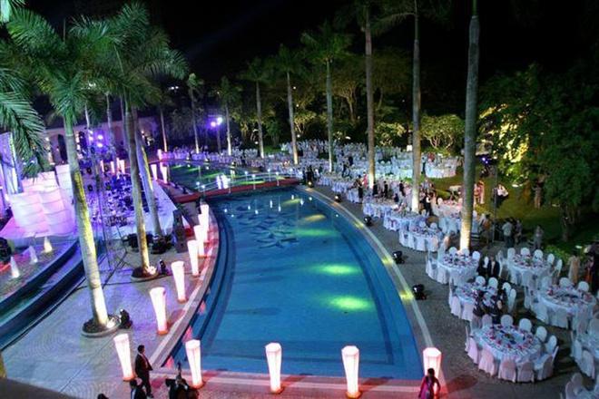 Nhung be boi co muc gia dat nhat Ha Noi hinh anh 8 Bể bơi khách sạn Daewoo, Hà Nội   Địa điểm: Ba Đình, Hà Nội  Vé ngày: 300.000 đồng  Vé tháng: 2,7 triệu đồng