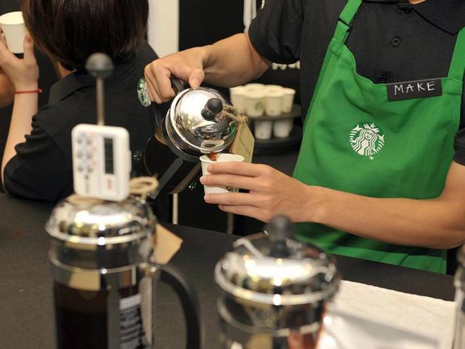 Nhung dieu it biet sau cuoc do bo cua Starbucks tai Ha Noi hinh anh 10 Starbucks vẫn kiên trì thực hiện chiến lược không nhượng quyền.