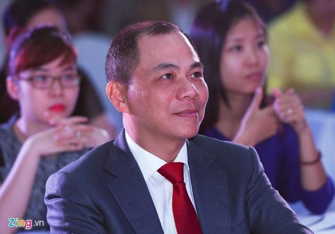 Ty phu Pham Nhat Vuong lam gi o hop bao 'Chuyen dong 24h'? hinh anh