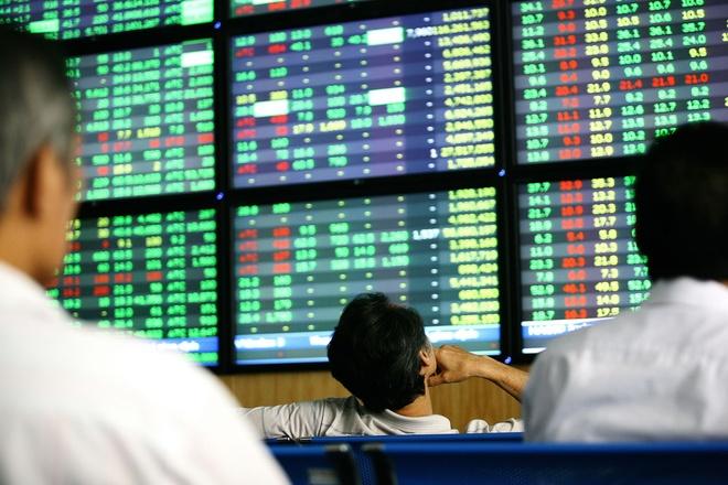 Thị trường chứng khoán biến động tích cực trước tin TPP. Ảnh: Anh Tuấn.