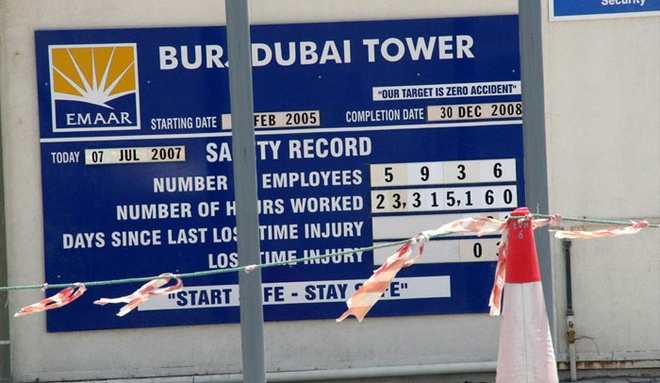 Rac roi cua toa nha cao nhat the gioi - Burj Khalifa hinh anh 2 Theo kế hoạch, Burj Khalifa sẽ được hoàn thành vào tháng 12/2008, nhưng phải tới hơn 1 năm sau, tòa nhà mới chính thức khánh thành. Ảnh: Burj Khalifa.