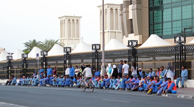 Goc khuat duoi nhung toa nha choc troi o Dubai hinh anh 2