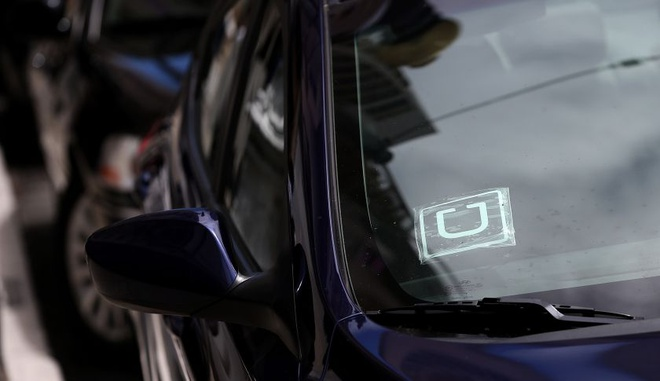 Uber, Grab co loi cho nguoi dung, vi sao de nghi cam? hinh anh