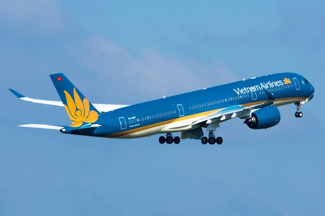 May bay Vietnam Airlines gap su co, phai ha canh khan cap hinh anh