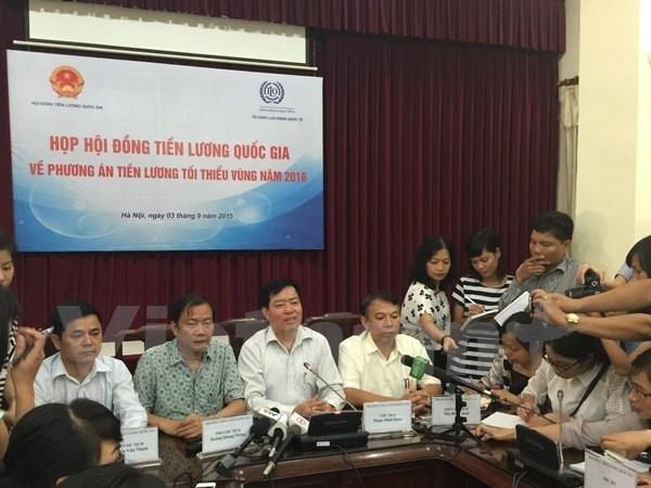 Tang luong nam 2016: Con bat dong ve muc song toi thieu hinh anh 2