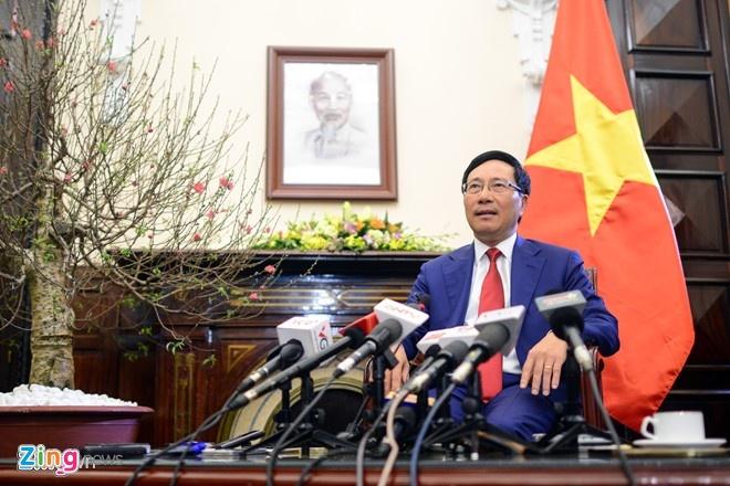 Pham Binh Minh thach thuc doi ngoai 2017 anh 1