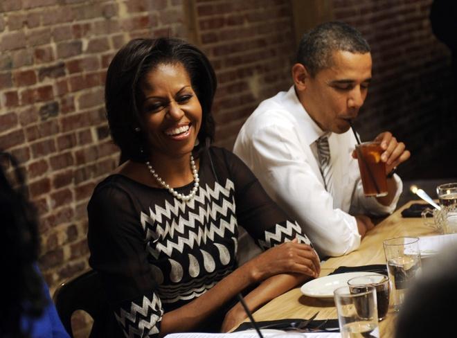 Nha Obama ra quan Italy an mung hop dong sach 60 trieu USD hinh anh