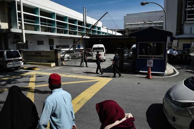 Malaysia: Nguoi nha ong Kim Jong Nam co 3 tuan de den nhan thi the hinh anh 1