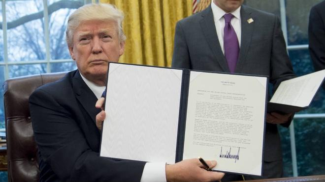 Chinh quyen Trump khang cao phan quyet chan lenh nhap cu moi hinh anh