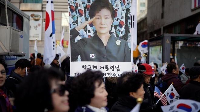 Hang nghin nguoi bieu tinh doi tha ba Park Geun Hye hinh anh 1