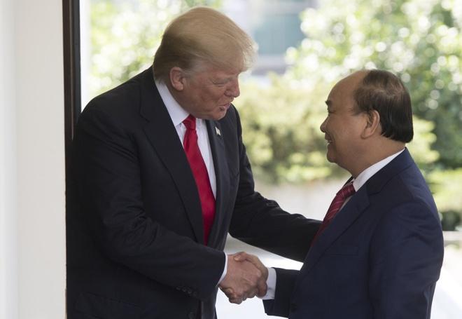 Thu tuong Nguyen Xuan Phuc gap Tong thong Donald Trump anh 1