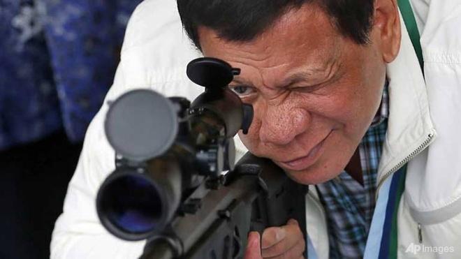 Trung Quoc tang Philippines hang nghin sung de doi pho phien quan hinh anh