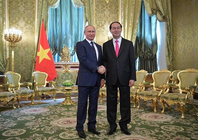 Tuyen bo chung Viet Nam - Lien bang Nga hinh anh 1