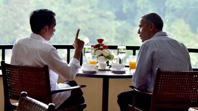 Ong Obama ngoi cafe vuon, thu mon an vat Indonesia hinh anh