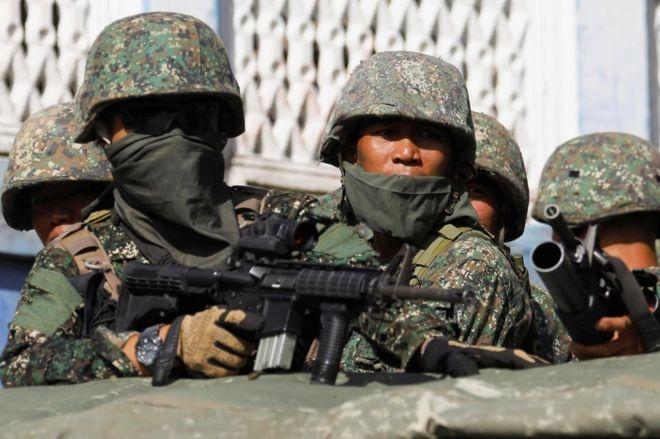 Quan doi Philippines 'that hua' trong chien dich giai phong Marawi hinh anh