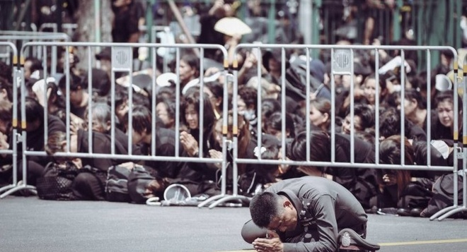 Bien nguoi Thai tien biet Vua Bhumibol trong dam tang 90 trieu USD hinh anh