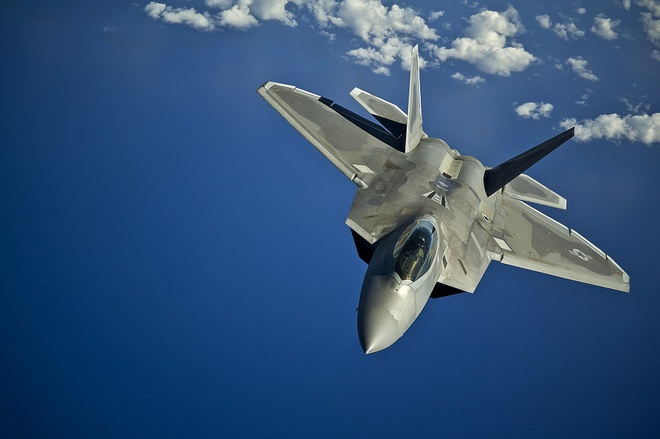 My - Han sap tap tran voi so luong ky luc tiem kich tang hinh F-22 hinh anh 1