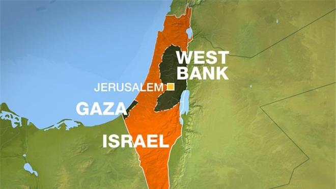 Bao luc bung phat, Israel bi tan cong bang ten lua hinh anh 2
