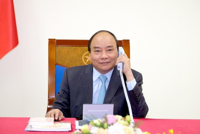 Thu tuong Nguyen Xuan Phuc dien dam voi thu tuong Nhat Ban anh 1