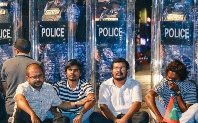 Vi sao nguoi Viet khong nen den Maldives thoi gian nay? hinh anh
