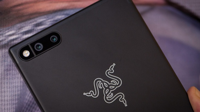 5 smartphone tu thuong hieu 'tay ngang' hinh anh