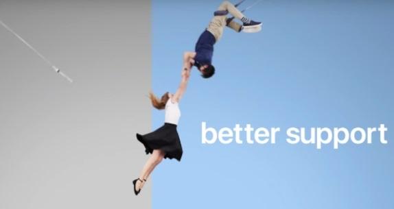 Apple tung video moi mua iPhone trong ngay ra mat Galaxy S9 hinh anh