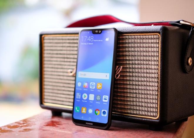 Chi tiet Huawei Nova 3e: Thiet ke tot, co camera kep va 'tai tho' hinh anh