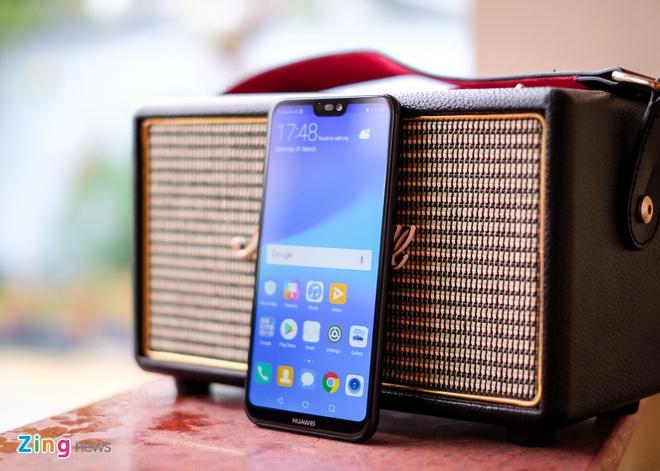 Chi tiet Huawei Nova 3e: Thiet ke tot, co camera kep va 'tai tho' hinh anh 11