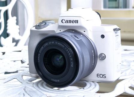 Canon ra mat mirrorless quay phim 4K, chip Digic 8, gia 20 trieu hinh anh