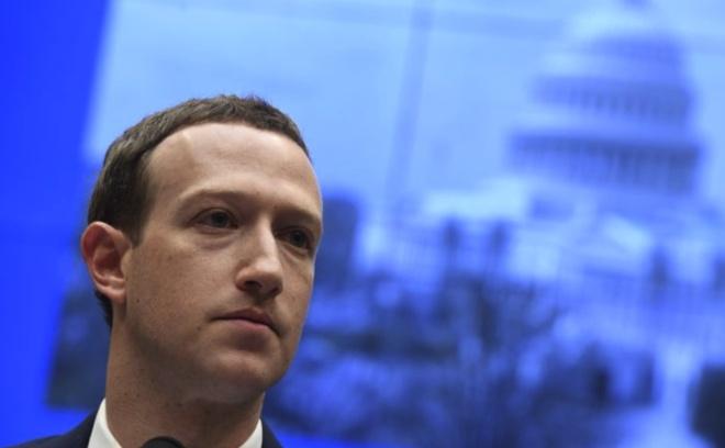 Nghi vien EU hoi CEO Facebook muon la vi nhan hay 'quai vat Internet' hinh anh 1